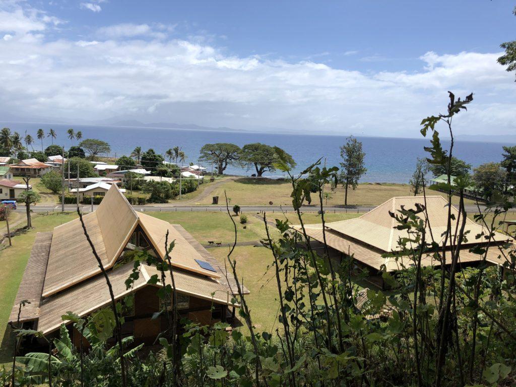 タベウニ島の村